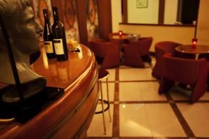 hotel vicino pomigliano d'arco con american bar e ristorante